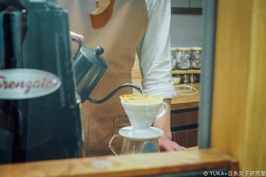 榖咖啡開放式廚房